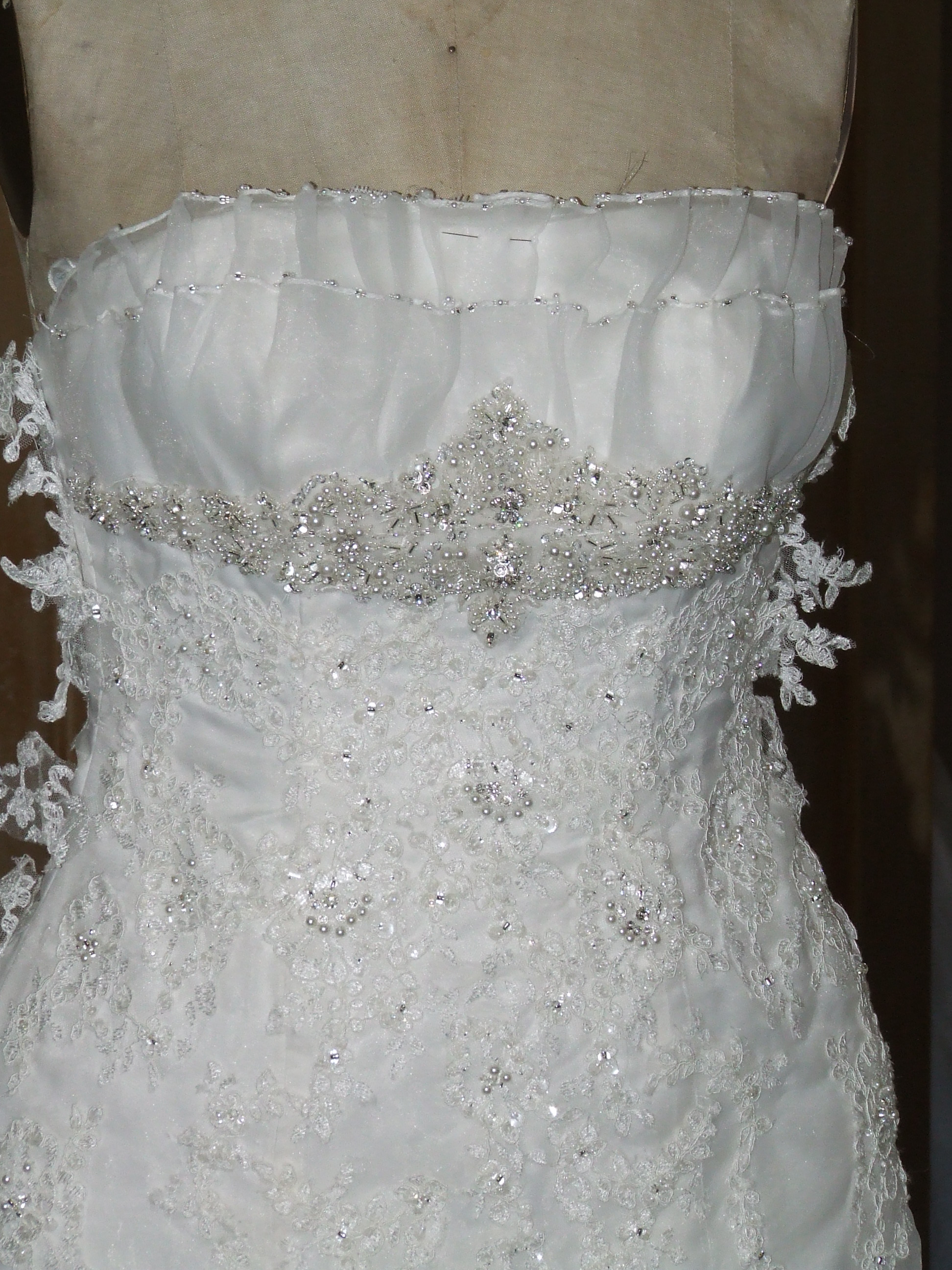 Lace Wedding Gown alterations 002 - Barbara Stone Designs
